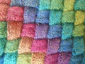 """Detail entrelac-sjaal (Zie """"Cadeautjes van de juf"""" voor een patroon)"""